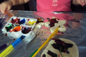 student artist explores paint mixing