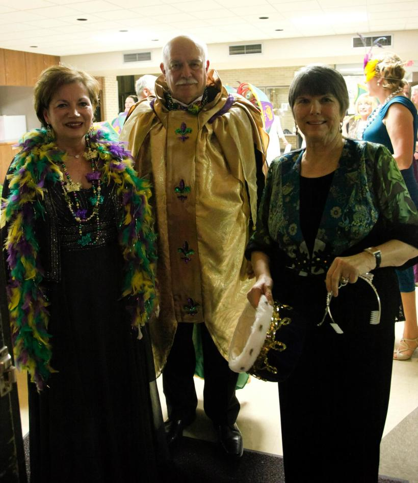 Lynne Gnemi, Bill Gnemi and Libby English